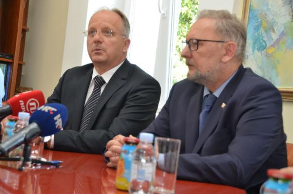 LokalnaHrvatska.hr Novalja Ministar Bozinovic u Novalji